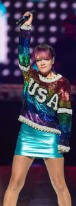 lily-allen-performs-at-miley-cyrus-concert-in-philadelphia_3