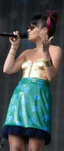 Lily-Allen-to-join-Miley-Cyrus-Bangerz-tour-for-seven-shows