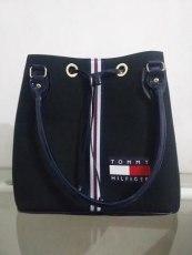 75a0202dfa Bolsa Tommy Hilfiger Feminina Tipo Sacola (réplica) – Mercado Livre