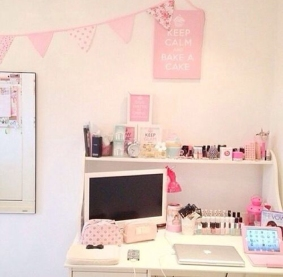 small-pink-workspace