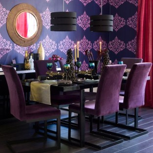 4-10-ideas-for-christmas-dining-room-Glitz-glamour-dining-room.jpg