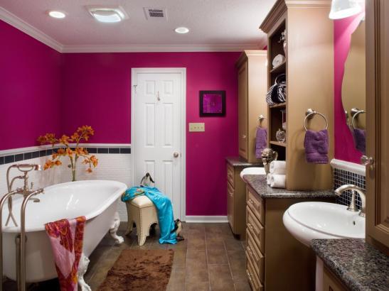 DP_Aplanalp-teen-pink-bathroom_s4x3.jpg.rend.hgtvcom.1280.960.jpeg.jpg