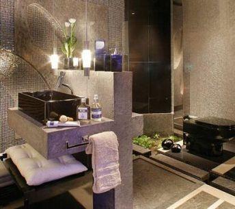 Decoração-de-Banheiro-com-Pastilhas-Cromadas-31.jpg
