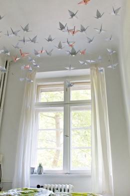 DIY-_-Renters-Friendly-Origami-Ceiling-Decoration-9.jpg