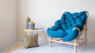 criacao-da-designer-veega-tankun-de-londres-a-poltrona-needle-chair-da-marca-veega-design-e-como-um-trico-gigante-1491571643567_v2_900x506.png