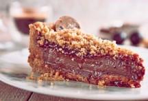 media-_-gallete_-callebaut-chocolate-week2017_gallete_torta-integral-de-ganache-de-cafc3a9-com-geleia-de-jabuticaba-e-farofa-de-castanha-do-parc3a1_fotomd-thiagomaziero