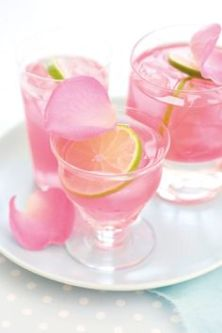 Resultado de imagem para ponche de frutas com rosas